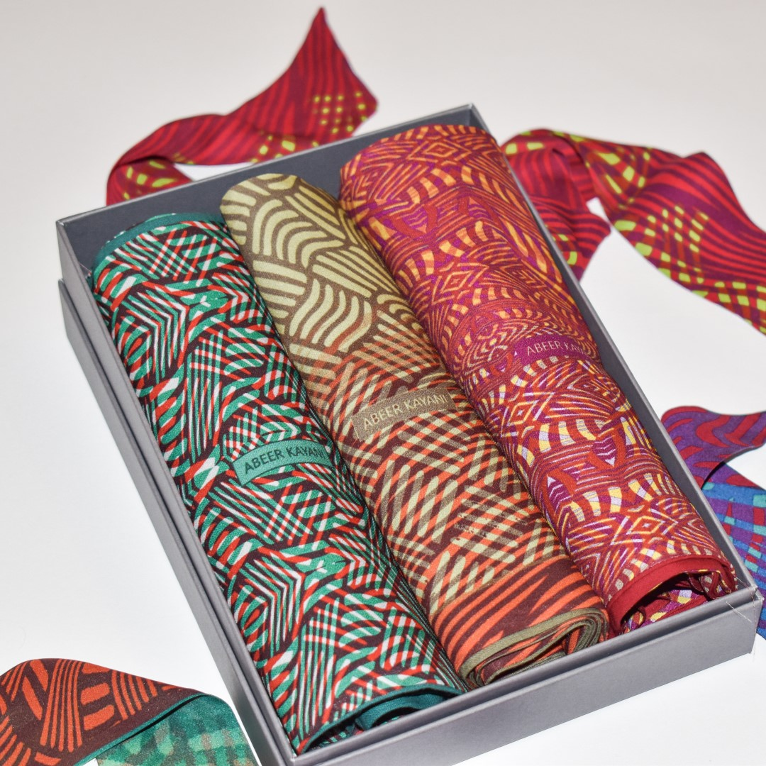 Bundle silk scarves (2)